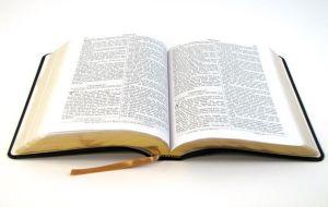 1 Tesalonicenses 5:21 Asegúrense de todas las cosas; adhiéranse firmemente a lo que es excelente